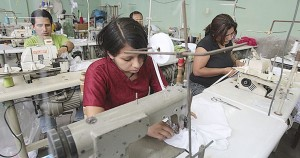 trabajadores-textiles